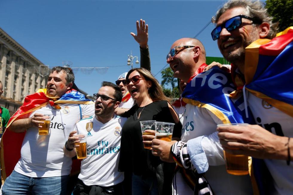 УЄФА дозволив продавати алкоголь на матчах Ліги чемпіонів і Ліги Європи