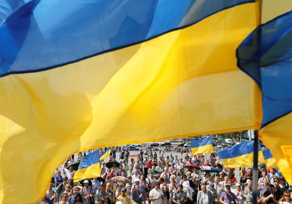Лише 2% українців турбує статус російської мови – опитування