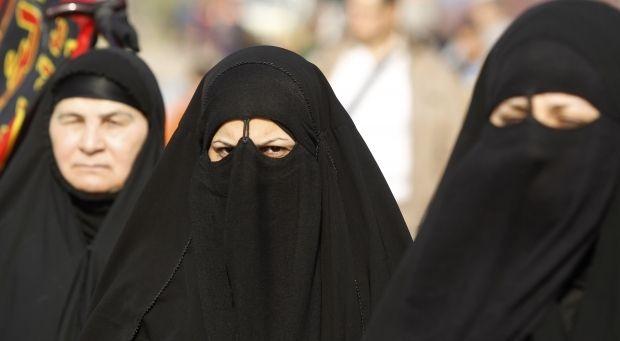 У Нідерландах заборонили вдягати паранджу