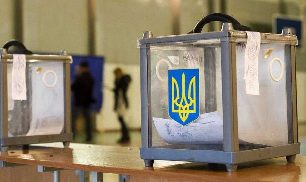 У Чернігові ТВК не може оголосити попередні результати виборів через проблеми з сервером