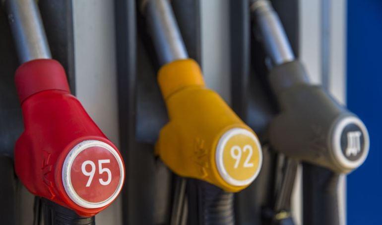 Білорусь збирається зупинити поставки бензину А-95 в Україну