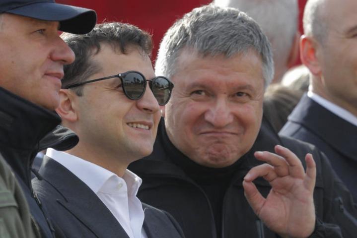 """Уряд Зеленського виділив 800 млн із """"ковідного"""" фонду на доплату співробітникам МВС"""