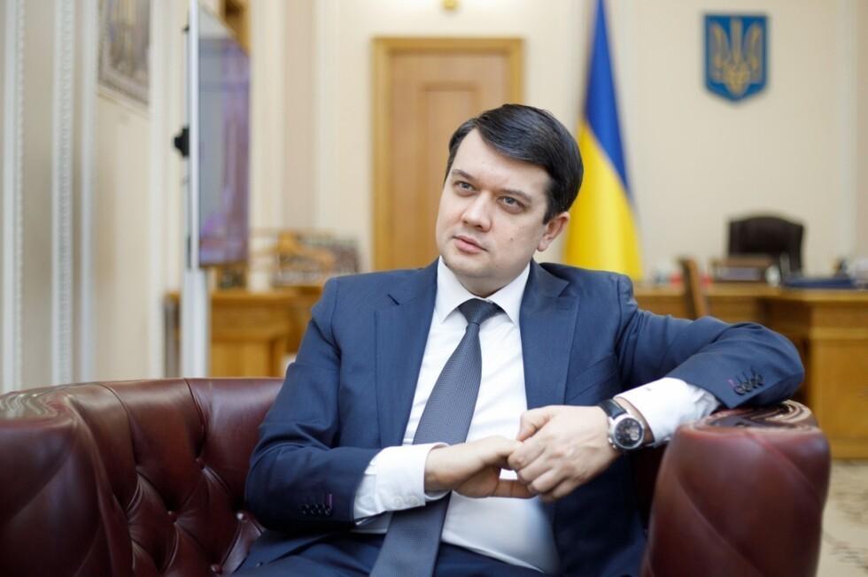 Разумков після Арестовича назвав подання води в окупований Крим теоретично можливим