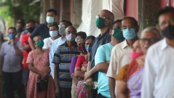 Уряд Зеленського дозволив в'їзд з Індії, де вирує новий штам вірусу
