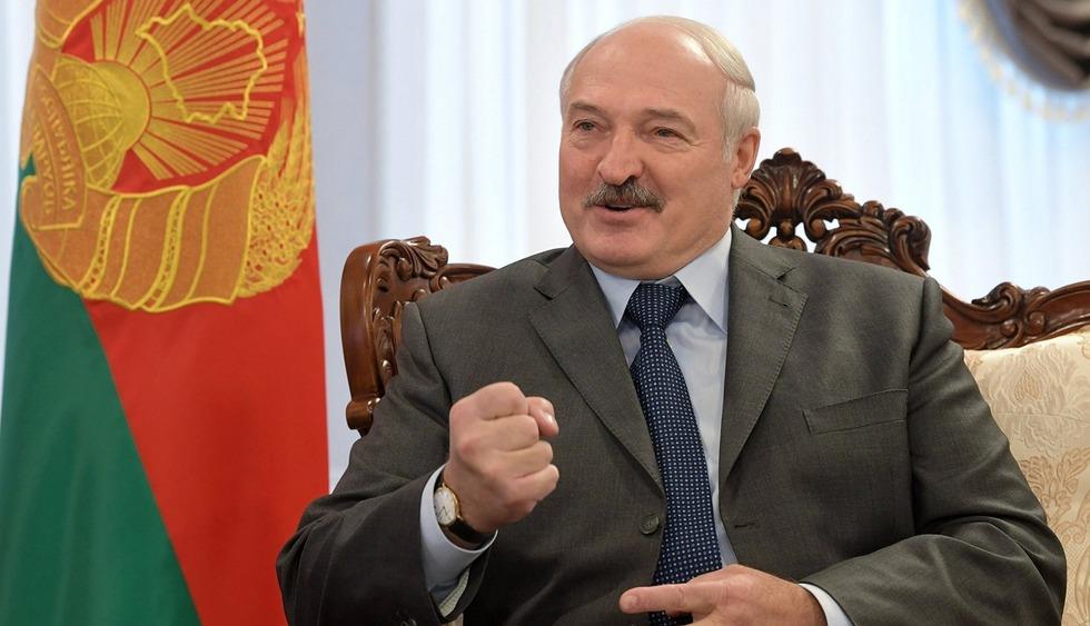 Лукашенко погрожує не приймати транзитні літаки з України