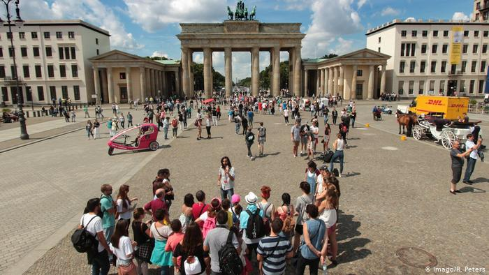 Німеччина відкрила кордони для вакцинованих туристів з України
