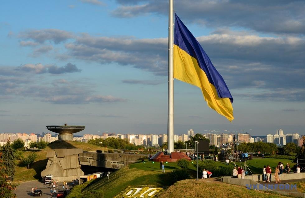 Більше 170 млн влада витратить на гігантські флагштоки до 30-річчя незалежності