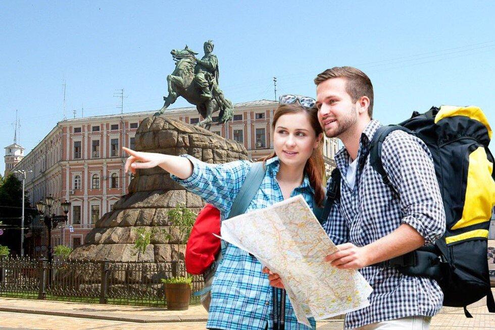 Найбільше іноземців до України приїжджали у липні з Польщі та РФ